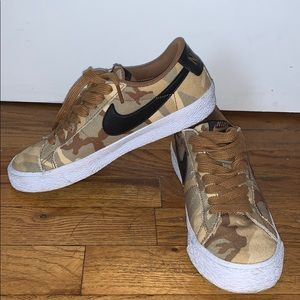 Nike Blazer low SB 'brown camo'